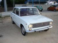 FIAT-124 Berlina bianca