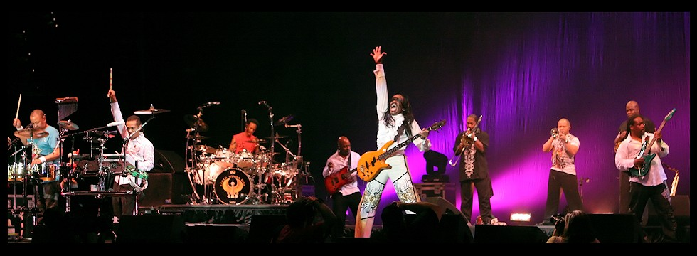 Earth Wind and Fire-Photo 02